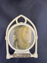 Antiek souvenir uit Lourdes 1900, kunststof,  9 cm,  standaard ontbreekt (2)