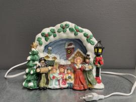 Kerst tafreel, poselein, lamp, Carolsingers 22 x 12 cm (9)