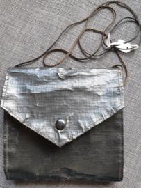 Antieke pyxis etui, leder en zijde voering 14 x 14 cm