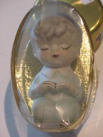 Porselein communicantje (jongen) 8 cm uit 1960 (8)