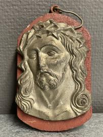 Ecce Homo / Christus 15 x 9 cm, plaquette, metaal op hout. (7)