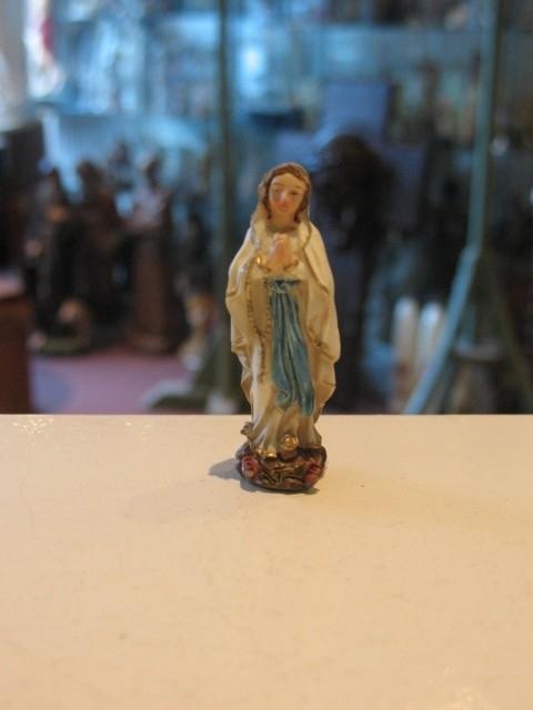 Maria OLV van Lourdes 6 cm resin