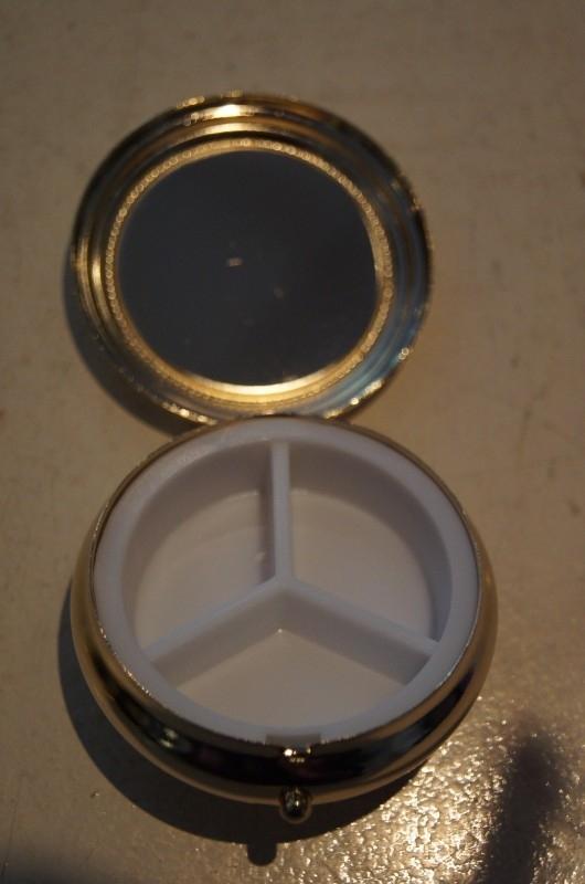 Pillen doosje H. Rita 4.5 cm doorsnee