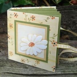 Voorbeeld mini-boekje gele bloemetjes