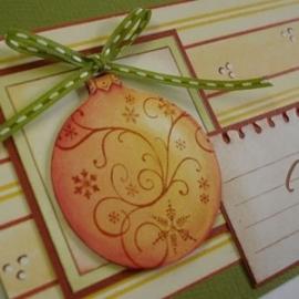 Detail voorbeeld oranje kerstballen
