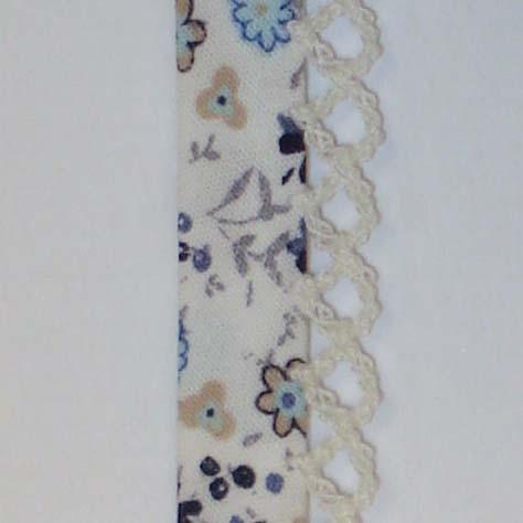 Biaisband creme blauwe bloemen (35)