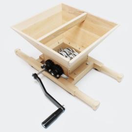 Fruitmolen; 7 liter pers met handslinger: Fruitpers, Houten uitvoering