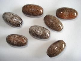 Keramiek kraal ovaal 21x12 mm bruin met spikkels