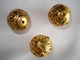 Metallook kraal goudkleur rond bewerkt 18 mm