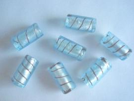 Zilverfolie glaskraal buis gestreept lichtblauw