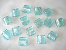 Zilverfolie glaskraal vierkant 12 mm lichtblauw