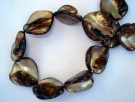 Streng schelpkralen onregelmatige ruitvorm bruin/goud