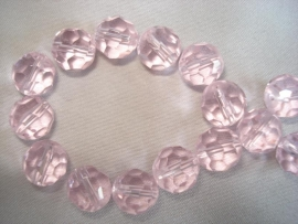 Facet glaskraal rond 6 mm licht roze