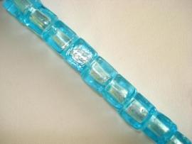 Streng zilverfolie glaskralen kubus 12 mm lichtblauw (12 stuks)