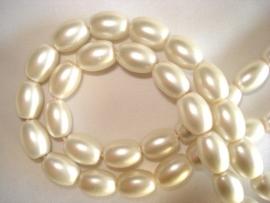 Matte glasparel ovaal ivoor wit