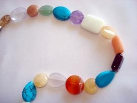 Streng kralen platte vormen glas en natuursteen