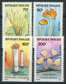 Togo,. michel 1966/69, xx