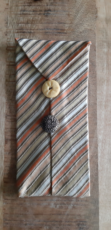 Opbergzakje / hoesje van oude stropdas 08 okergeel
