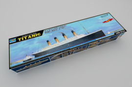 TITANIC 1:200 Incl. Led verlichting (03719)