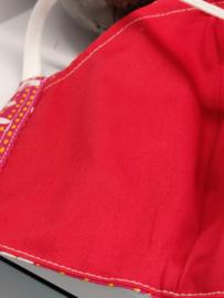 """Maat """"M"""" -""""white on red""""  rood binnenmasker - wit lint"""