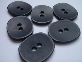 KA048 Knoop 2 gaatjes - 30 mm x 25 mm- zwart