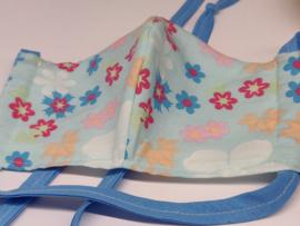 """Maat """"M"""" - blue flower-  wit binnenmasker - blauw lint"""