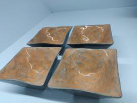 "Set  4 handgevormde kommetjes - ""Gray Mandarine"""
