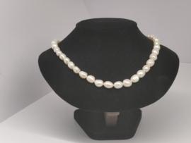 Halssnoer echte parels en massief zilver (001)