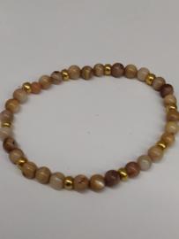Fijne armband in natuursteentjes: kleur beige