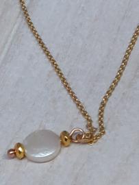 Fijne vergulde halsketting met echte zoetwaterparel coin