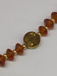 Armband in honingkleurig Boheems glas met levensboom