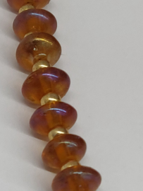 Halsketting in Honingkleurig Boheems glas met levensboom