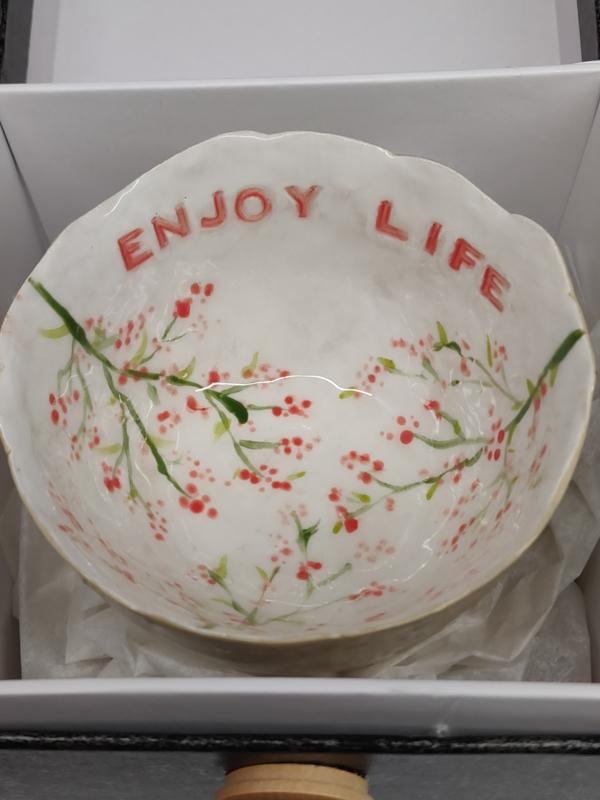 "Handgevormd theetasje/dessertkommetje - ""Springtime"" met tekst Enjoy Life diameter  +/- 8 à 9cm"