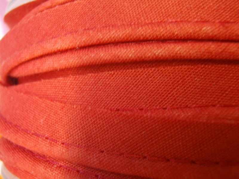 Paspelband rood - per 10 cm