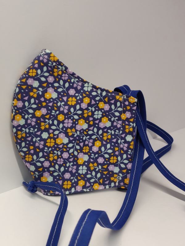 """Maat """"M"""" -""""purple meadow""""  blauw binnenmasker - aubergine kleur lint"""