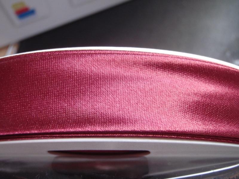 F- Col. 108 - Biaislint satijn - wijnrood - per 10 cm