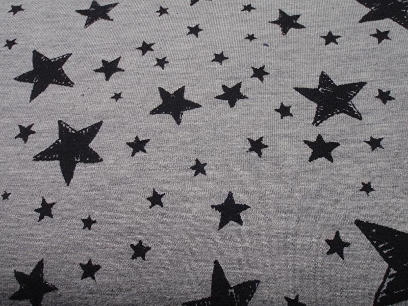 B 09 French Terry ( Sweather stof) stars grey - zeer mooie kwaliteit( per 10 cm)