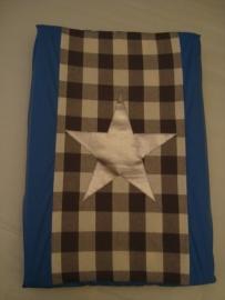Aankleedkussenhoes grote grijze ruit met blauw en zilveren ster