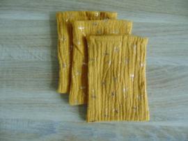 (V) Hydrofiel washandje voor de pop  oker/goud