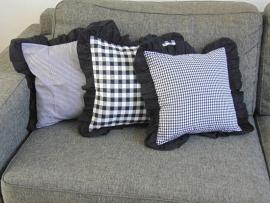 (V) Kussenhoesjes (set van 3) met ruche zwart/wit 40 x 40 cm