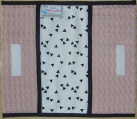 (V)Luiermapje grove wafelkatoen oudroze /poplin triangle wit/zwart