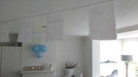 (V) Stoffen slinger met gescheurde vlaggetjes wit 6 meter