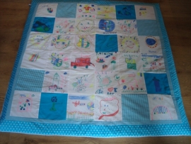 Speelkleed patchwork/ tekeningen turquoise