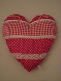 Kussen hart met strikjes