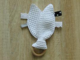 Houten ring konijnenoren/labeltjes/piepje wafelkatoen/hydrofielstof