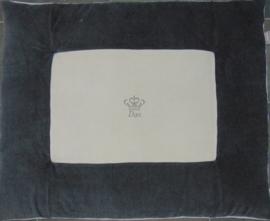 Boxkleed 2 kleuren nicky velours uni/geborduurd kroontje en naam