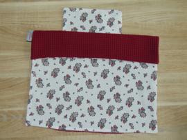 (V) Dekbedovertrekset 40 x 40 cm wafelkatoen bordo/katoen roosjes wit-oudroze-groen