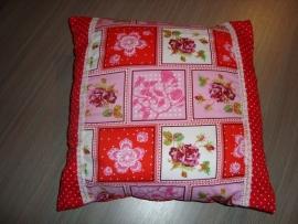 Kussenhoesje stippen en patchwork wit/roze/fuchsia/rood 40 x 40 cm