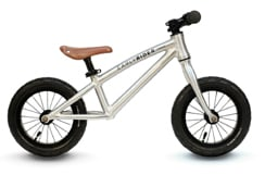 De loopfiets Alley Runner van Earlyrider