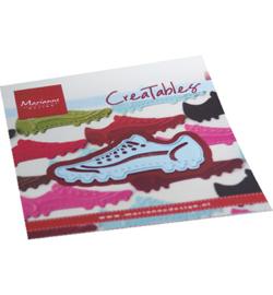 LR0713  Marianne Design Creatables Soccer shoe